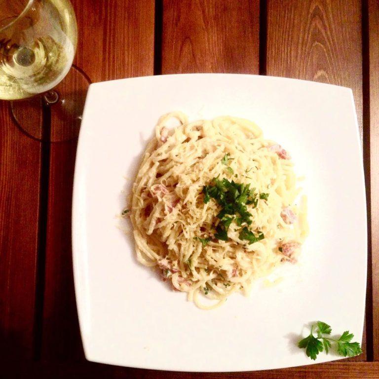 Spaghetti Carbonara mit Weisswein
